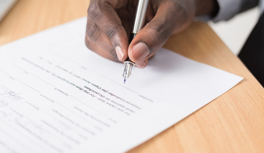 Benefits Of Working Zero-Hours Contracts- Man Signing A Contract Of Employment